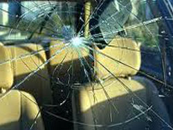 CarGlaze, we deal with windscreen replacement, car windscreen replacement, van windscreen replacement, cracked windscreen replacement, mobile windscreen replacement and insurance approved windscreen replacement in Ashby De La Zouch.